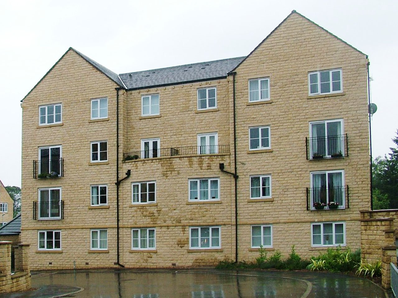 Block E. 16 units. Mechants Court, Bingley. For Barratt Leeds copy